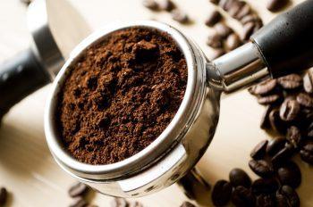 Kopi meruapakan sesuatu yang unik, dengan kopi yang sama dan jika disajikan dengan cara yang berbeda maka rasanya pun akan berbeda. Berikut tips dan trik cara menyeduh kopi sehingga cita rasa kopi dapat maksimal. Nantikan chanel youtube kami.